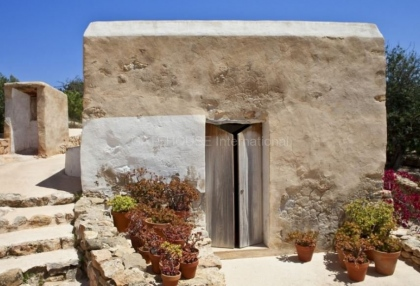 Renovated home for sale in Cala Salada with sea and sunset views_7