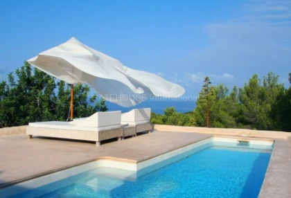 Renovated home for sale in Cala Salada with sea and sunset views_9