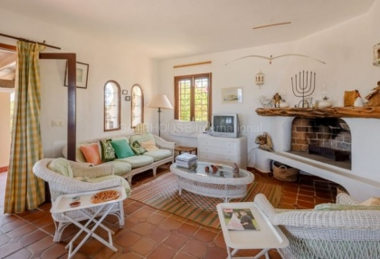 Frontline home in Ibiza requiring refurbishment_4