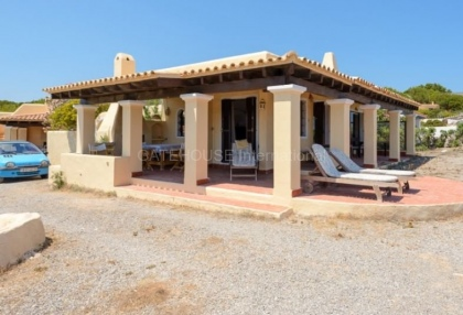 Frontline home in Ibiza requiring refurbishment_9