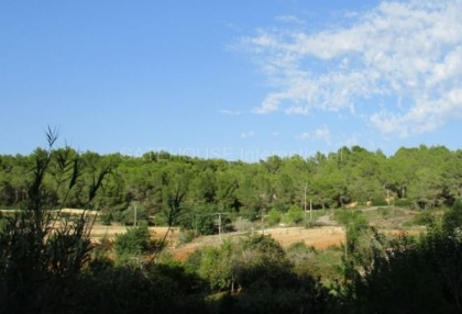 Plot for sale with open mountain views in Santa Eularia_1
