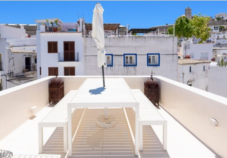 Traditional house for sale in ibiza old town ibiza for Ibiza classic house