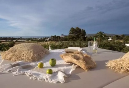 Luxury renovated Ibiza villa for sale in Cala Bassa_3