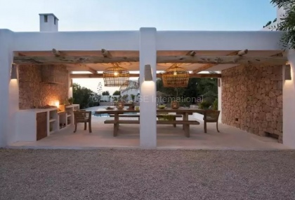 Luxury renovated Ibiza villa for sale in Cala Bassa_4
