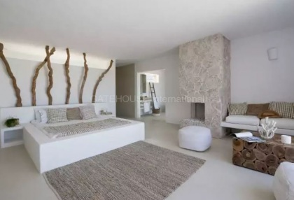 Luxury renovated Ibiza villa for sale in Cala Bassa_6