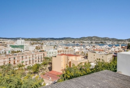 Home for sale in Dalt Vila with stunning views_1