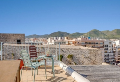Home for sale in Dalt Vila with stunning views_2