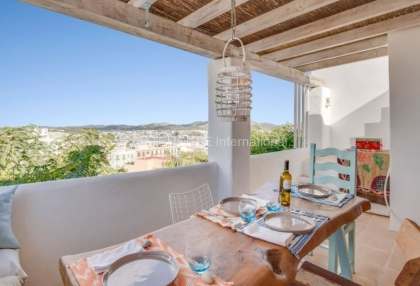 Home for sale in Dalt Vila with stunning views_4