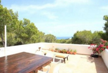 Detached villa for sale with stunning views in Santa Eularia_5