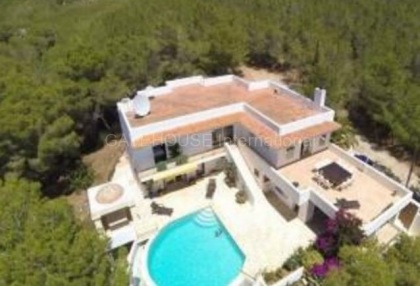 Detached villa for sale with stunning views in Santa Eularia_7