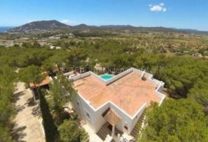 Detached villa for sale with stunning views in Santa Eularia_8