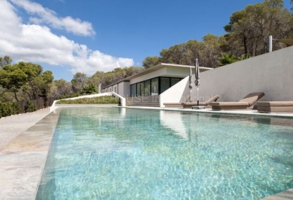 Luxury contemporary villa for sale in Cala Jondal_1