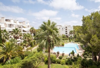 Large four bedroom apartment for sale in cala Llenya_1