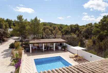 Four bedroom family home for sale in san carlos_3