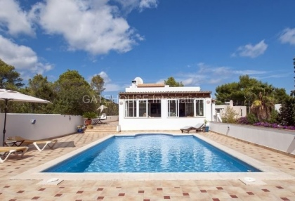 Four bedroom family home for sale in san carlos_4