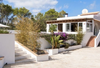 Four bedroom family home for sale in san carlos_9
