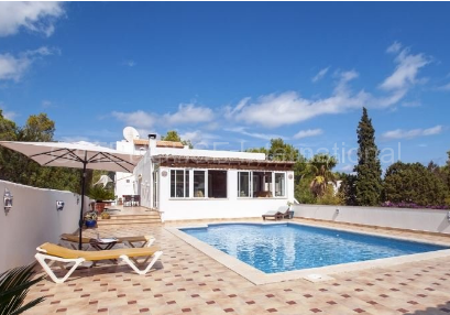 Four bedroom family home for sale in san carlos_s