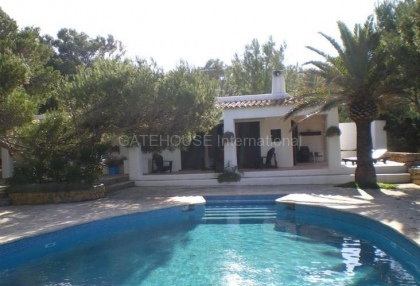 Frontline property for sale in cala vadella_12