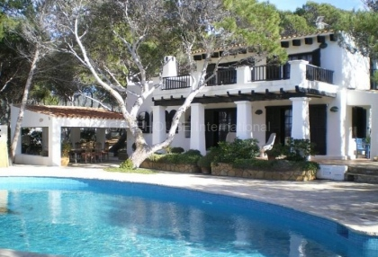 Frontline property for sale in cala vadella_4