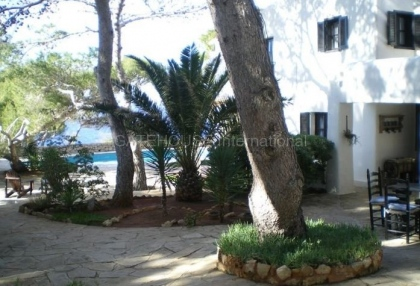 Frontline property for sale in cala vadella_5