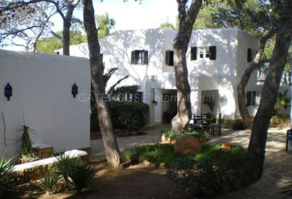 Frontline property for sale in cala vadella_8