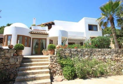 House for sale close to Santa Eularia_s