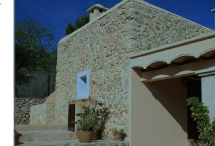 Recently renovated fina with separate bungalow for sale close to San Jose, Ibiza_1