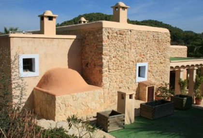 Recently renovated fina with separate bungalow for sale close to San Jose, Ibiza_2
