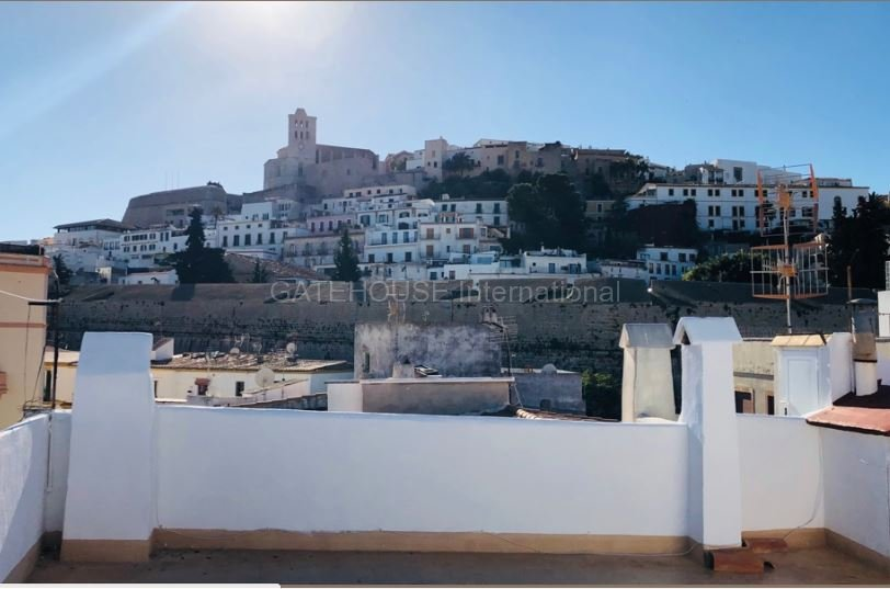 Traditional Penthouse apartment for sale in Ibiza Old Town ...