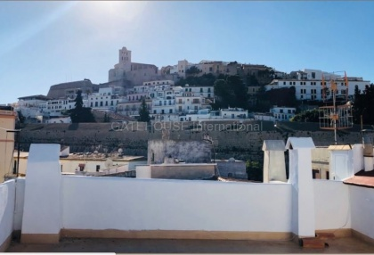 Traditional Penthouse apartment for sale in Ibiza Old Town_1