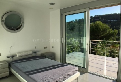 Modern sea view villa for sale in the mountains_10