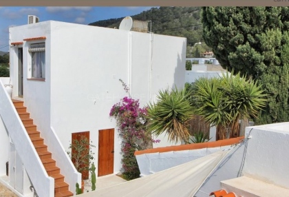 House with guest accommodation in Ibiza Town_12