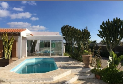 House with guest accommodation in Ibiza Town_4