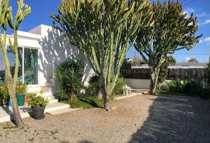 House with guest accommodation in Ibiza Town_5
