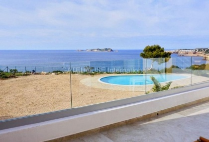 First line Townhouse for sale in Cala Tarida_8