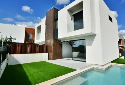 New Townhouse for sale with sea views in talamanca_1