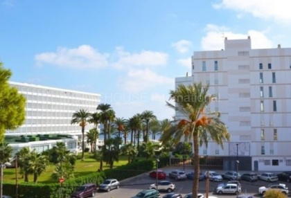Sea front apartment for sale in Playa den Bossa_1