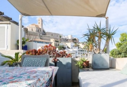 Apartment for sale in Dalt Vila with sea views_12
