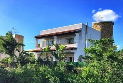 House close to the sea in Santa Eularia_1