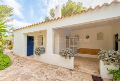 refurbishment opportunity frontline villa for sale in Cala Carbo_5 - Copy