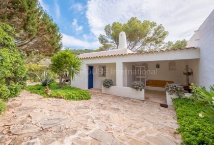refurbishment opportunity frontline villa for sale in Cala Carbo_6 - Copy