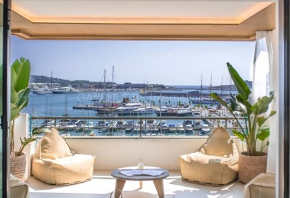 Top floor apartment with sea views in Ibiza Town_1