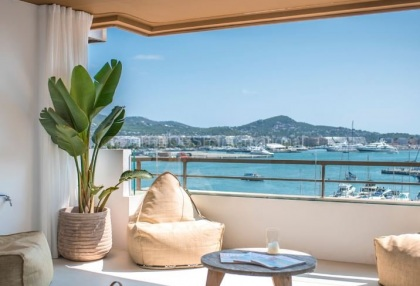 Top floor apartment with sea views in Ibiza Town_2