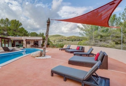 Villa for sale in Santa Gertrudis_1