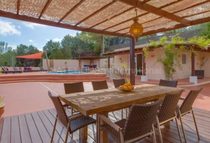 Villa for sale in Santa Gertrudis_3
