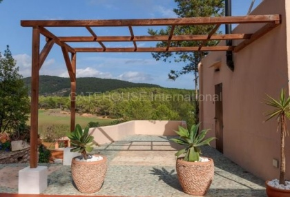 Villa for sale in Santa Gertrudis_4