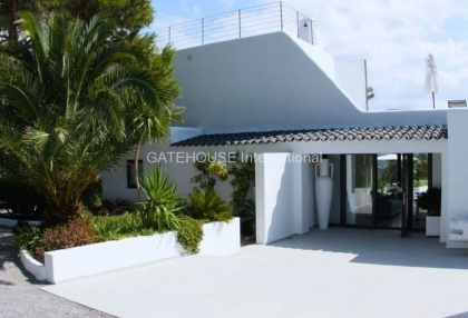 Exclusive Ibiza sea view villa close to the sea with views over Es Vedra_11