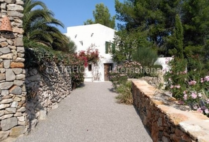 Restored Ibiza finca for sale in Santa Eularia_1