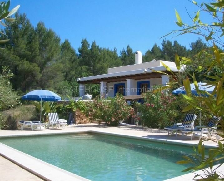 Country house in north ibiza with guest accommodation for Ibiza country villas