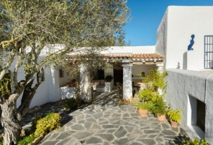 Six bedroom finca on a large plot for sale in Sa Font, Ibiza_1a